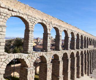 Un Día De Excursión a Ávila y Segovia
