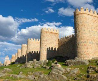 Descubre Ávila y Segovia montado en bus turístico